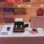 Die beiden Minis im Lego Store