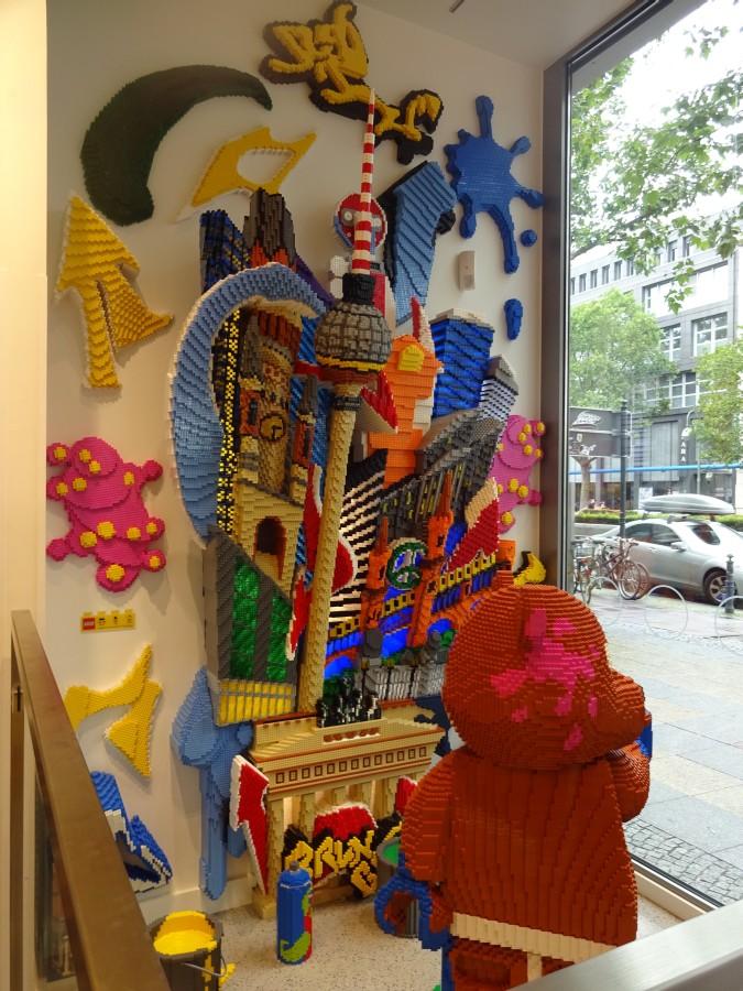 besuch im lego store berlin florian spitzohr
